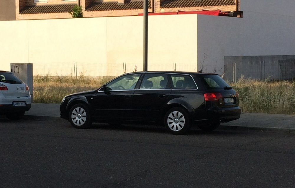 Audi.jpg.5f8ee7c9b9840a72097b95403f0074da.jpg
