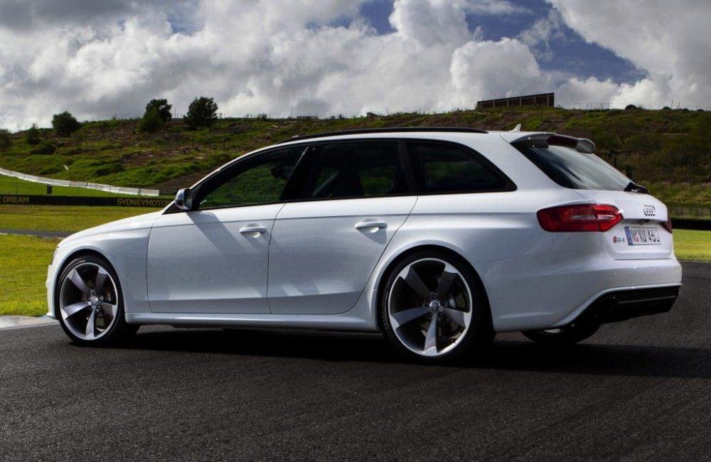Audi_RS4_-Avant_231.jpg.20d2b25b8b93d7580a6280282388682a.jpg