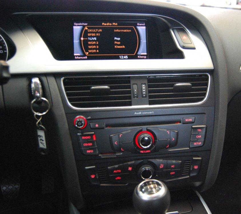 Frente radio audi A4 2008.jpg