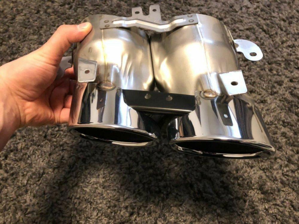 Original-Audi-RS3-TTRS-S4-Auspuff-Blende-Endrohr-_57.jpg.e4b8cc766342751a8dd885ccb9946727.jpg